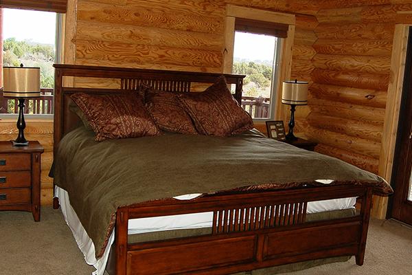 Loon-master-bedroom-1
